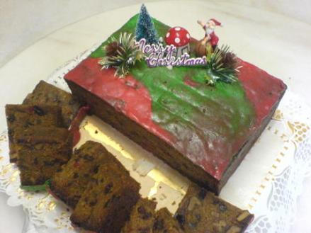 eurasian-sugee-fruit-cake